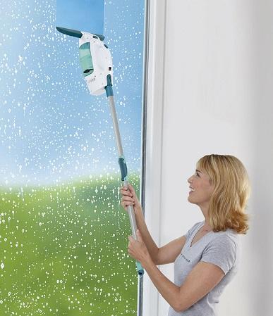 Čistač prozora sa usisivačem